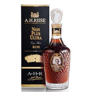 A.H. Riise Non Plus Ultra 42% pdd. Very Rare 0,7