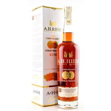 A.H. Riise Gold Medal 1888 Copenhagen Rum 40% pdd.0,7